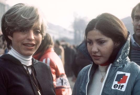 Les pilotes de rallye Michèle Mouton (à dr.) et Françoise Conconi, en 1976, lors du Rallye de Monte-Carlo.