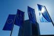 « Son modèle à but non lucratif la protégerait de l'incitation à surnoter des produits financiers dangereux et répondrait à la préoccupation bien légitime d'introduire plus de transparence dans la production de l'expertise» (Photo: drapeaux européen devant la BCE à Francfort en 2016).