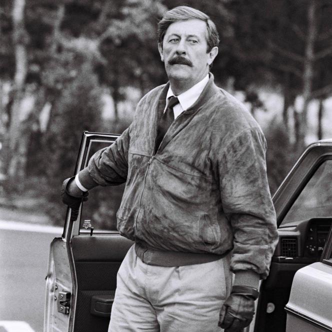 Jean Rochefort, en septembre 1986 à Orléans, pendant le tournage du long-métrage de Dominique Chaussoy «Le Moustachu», dans lequel il incarne un agent de la DGSE.