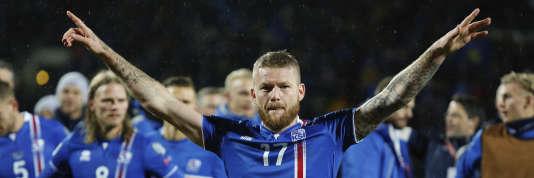 Les Islandais du capitaine Aron Gunnarsson, ici le 9 octobre, découvriront la Coupe du monde en juin prochain.
