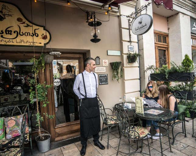 Restaurant Barbarestan, à Tbilissi.
