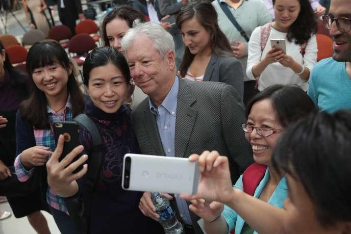 L'économiste américain Richard Thaler, le 9 octobre, à l'university de Chicago, après l'annonce de son prix Nobel.