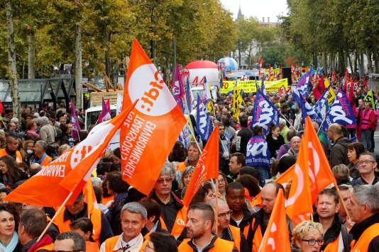 Manifestation de salariés de la fonction publique, le 10 octobre à Nantes.