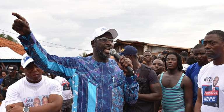 Le candidat à l'électionprésidentielle GeorgeWeahen campagne à Monrovia, la capitale duLiberia,le 8 octobre.