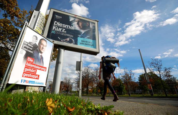 Le slogan « L'islamisation doit être stoppée» sur une affiche du parti FPOe, lors de la campagne pour les législatives à Vienne, le 4 octobre.