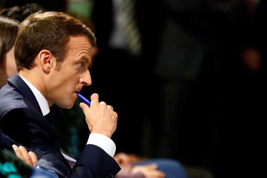 Emmanuel Macron a choisi de s'exprimer sur la politique de sécurité une semaine après l'adoption par l'Assemblée du projet de loi antiterroriste qui doit prendre le relais de l'état d'urgence à partir du 1ernovembre.