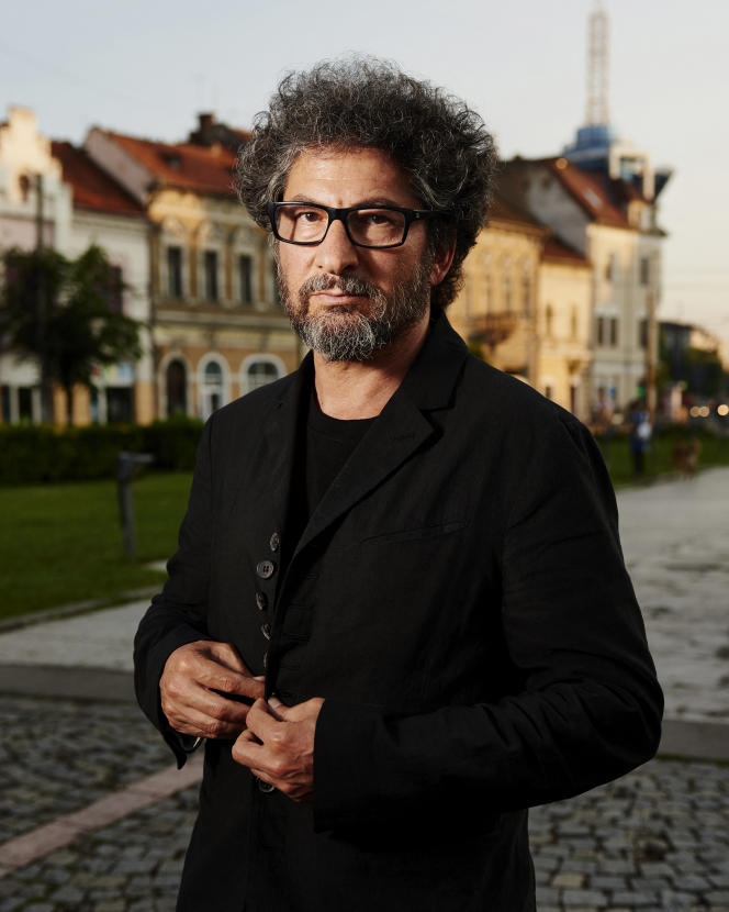 Le cinéaste Radu Mihaileanu, qui a notamment réalisé «Va, vis et deviens » et «L'Histoire de l'amour», explique pourquoi les bouleversements du financement du cinéma en France inquiètent la filière.