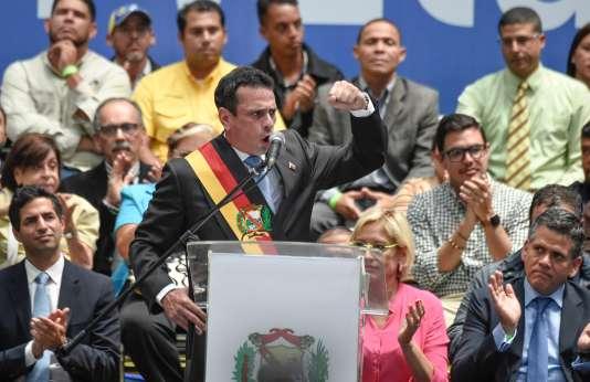 L'opposant vénézuélien Henrique Capriles lors d'un discours,à Caracas, le 11 octobre 2017.