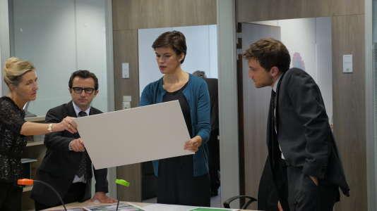 Mathilde (Marie-Sophie Ferdane) subit le harcèlement de son chef.