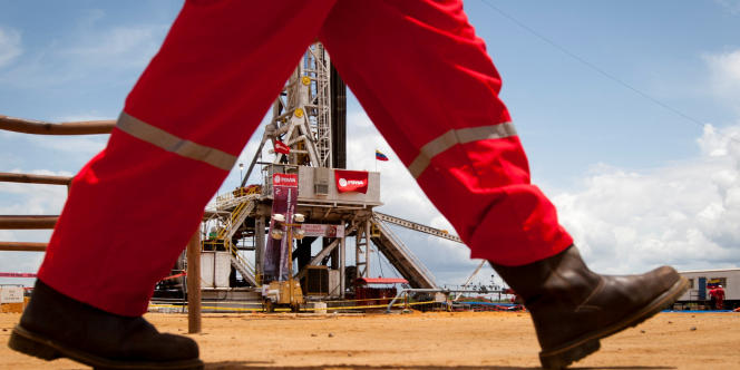 La situation financière du Venezuela s'était encore compliquée après que Washington a, en août, imposé des sanctions interdisant l'achat de nouvelles obligations émises par Caracas et la compagnie pétrolière nationale Petroleos de Venezuela SA.