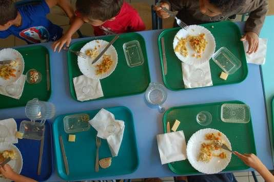 Depuis janvier2012, les cantines de Mouans-Sartoux (Alpes-Maritimes) nourrissent ses écoliers en 100% bio.