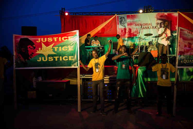 Concert de lancement du projet de mémorial Thomas-Sankara, sur la place de la Révolution, à Ouagadougou, en octobre 2016.