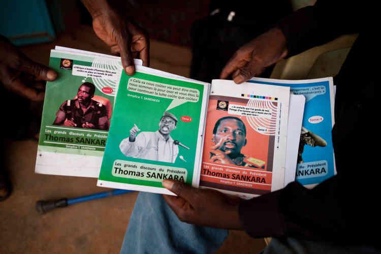 En éditant les discours de l'ancien président, l'association Génération Thomas Sankara, à Ouagadougou, souhaite mettre en avant sa pensée, et pas seulement son image.
