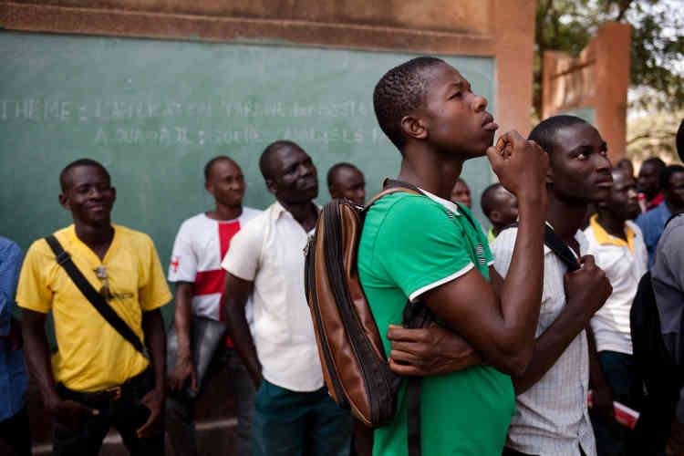 L'objectif est «faire revivre les débats autour de la place de la femme, de l'éducation, de la faim, du développement», explique Serge Bayala.