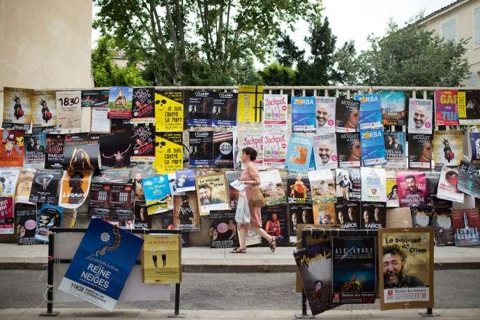 Chaque année, le Festival«off» d'Avignon se transforme en une vaste«foire commerciale», selonle Syndicat national des arts vivants (Synavi) d'Ile-de-France.