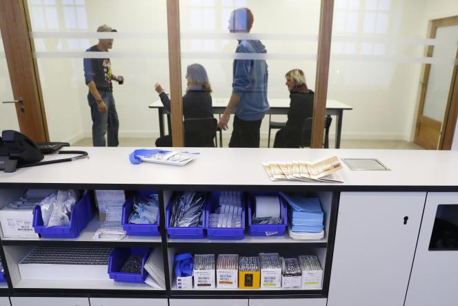 La « salle de shoot», dans l'enceinte de l'hôpital Lariboisière, à Paris (10e), en octobre 2016.