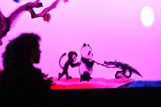 «A quoi rêvent les pandas?», un spectacle jeune public au Quai Branly, à Paris, jusqu'au 29 octobre.