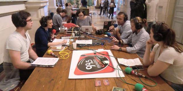 Emission radio sur le campus de l'université de Tours.