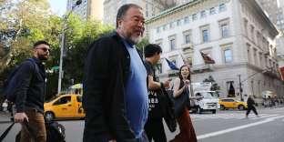 New York, 10 octobre 2017. L'artiste dissident chinois Ai Weiwei a mis en place une série d'installations de rue, près deCentral Parkn intitulée « Les bonnes barrières font les bons voisins».