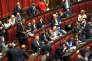 Luigi Di Maio (au micro), du Mouvement 5 étoiles, au Parlement, à Rome, le 12 octobre 2017.