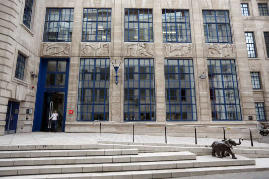 L'entrée de la London School of Economics, qui domine pour la 4e année consécutive le classement des écoles de commerce européennes du «Financial Times». (Photo by Oli Scarff/Getty Images.)