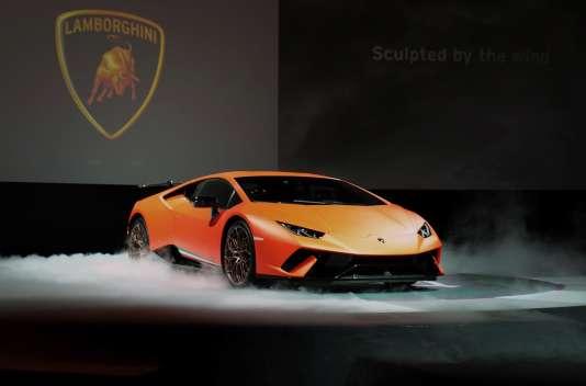 Un modèle de Lamborghini Huracan en exposition à Tokyo, en juin.