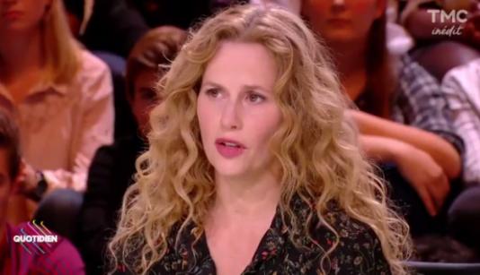 Capture d'écran de l'émission «Quotidien» du jeudi 12 octobre sur TMC présentée parYann Barthès qui recevait l'actrice Florence Darel.