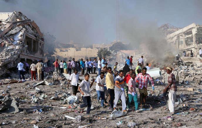 A Mogadiscio, le 14 octobre, après un attentat qui a fait plus de 300 morts.