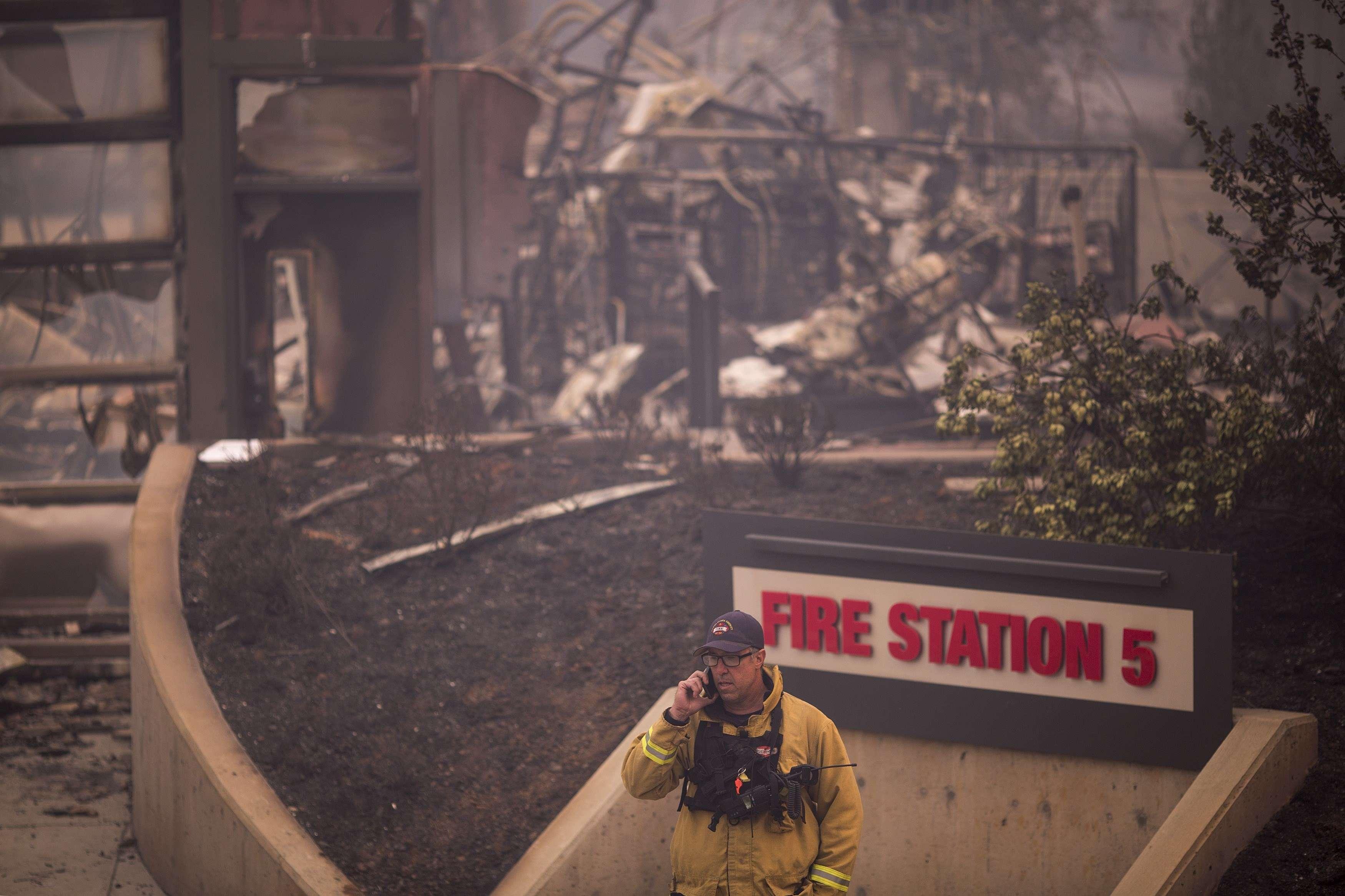 A Santa Rosa, c'est une caserne de pompiers qui n'a pas résisté au passage de l'incendie, le 10 octobre.