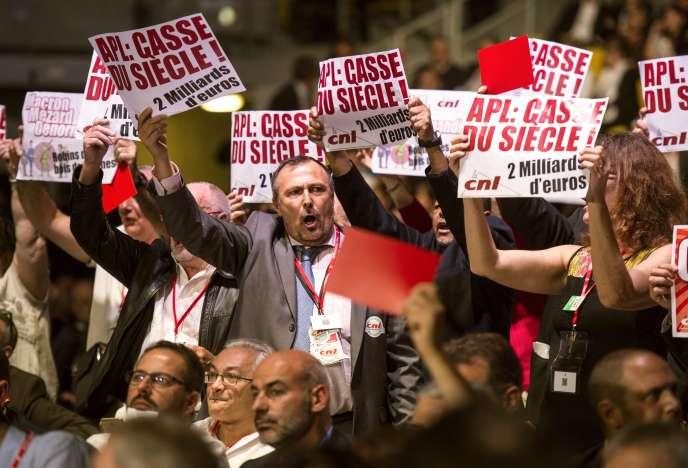 Protestation contre la baisse des APL lors du congrès de l'Union sociale pour l'habitat à Strasbourg le 28 septembre.