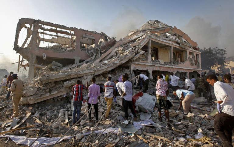« C'était la plus violente explosion que j'ai jamais constatée, elle a détruit tous les environs », a déclaré un autre habitant de Mogadiscio.