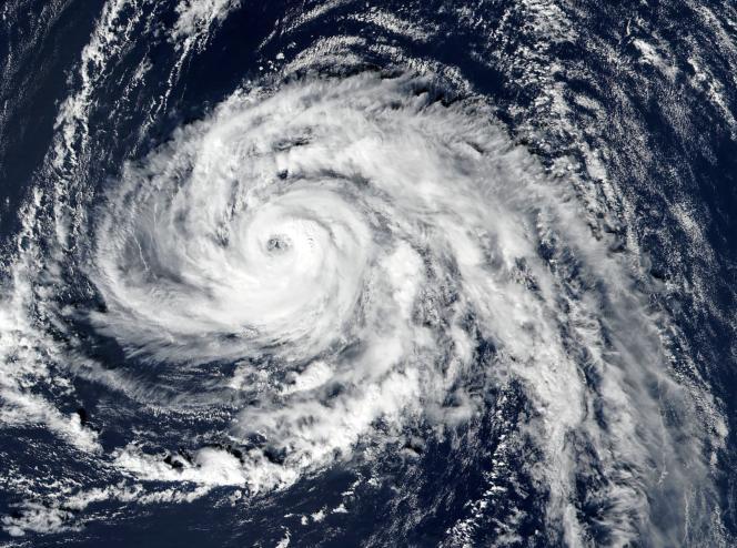 L'ouragan Ophelia vu de l'espace, le 13 octobre.