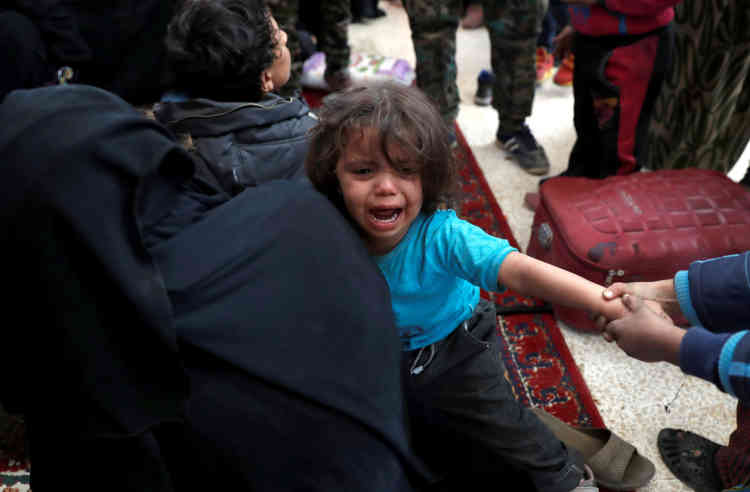 Un accord négocié avec le Conseil de Rakka a permis l'évacuation de plus de3000civils.