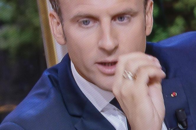 Emmanuel Macron, lors de son premier entretien télévisé depuis son élection à la présidence de la République, le 15 octobre.