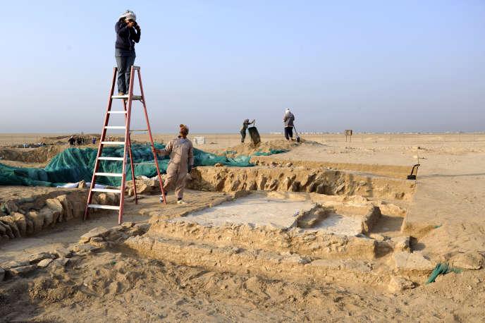 Fouilles archéologiques sur le site chrétien de Qousour, dans l'île de Faïlaka, au Koweït.