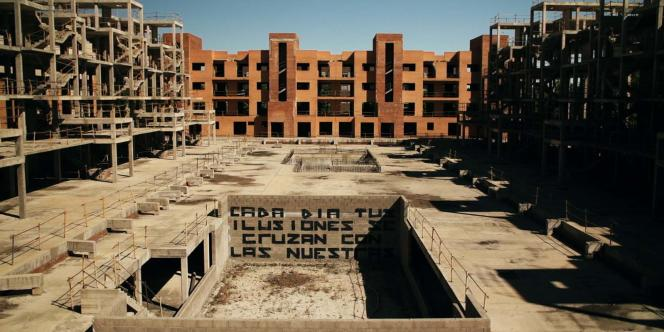 « Bricks», documentaire français de Quentin Ravelli.