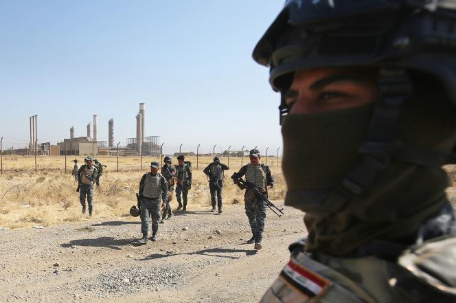 Les forces irakiennes à l'approche de Kirkouk (Irak) le 16 octobre.