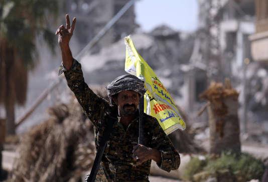 Syrie: l'organisation Etat islamique a été «totalement» chassée de Rakka