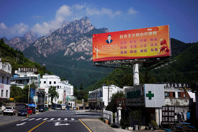 Une affiche de Xi Jinping à Huangshan, dans la province d'Anhui, en Chine, le 16 septembre.