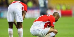 Fabinho est dépité : le Brésilien de Monaco est loin du niveau affiché la saison dernière.