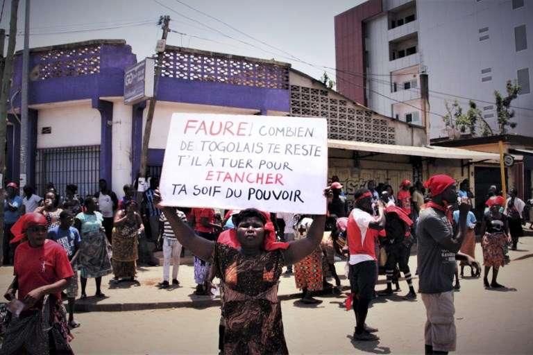 A Lomé, le 5 octobre 2017, manifestation pour le départ de Faure Gnassingbé, au pouvoir depuis plus de douze ans.