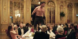 « The Square », film suédois de Ruben Ostlund. Avec Claes Bang, Elisabeth Moss, Dominic West.