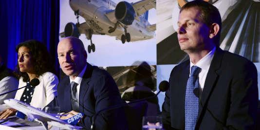 De gauche à droite : la ministre de l'Economie canadienne Dominique Anglade, le PDG de Bombardier Alain Bellemare et le président d'Airbus Hélicoptères CanadaRomain Trapp, pendant une conférence de presse à Montréal, consacrée au rapprochement entre Bombardier et Airbus, le 16 octobre.