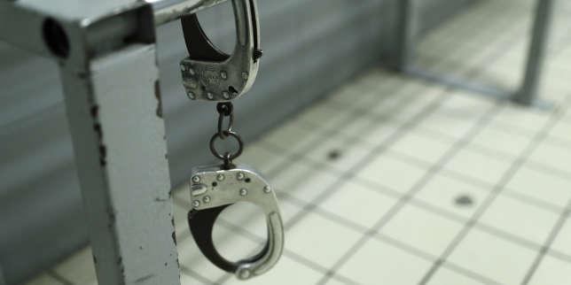 Huit suspects, dont trois mineurs, vont être présentés à un juge d'instruction, a indiqué le 21 octobre le parquet de Paris.