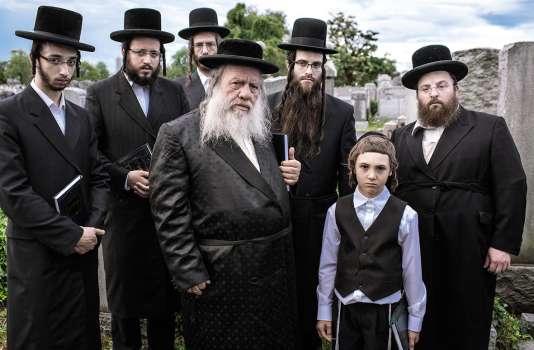 Dans Brooklyn Yiddish comme dans la vie, l'acteur Menashe Lustig (à droite)a perdu la garde de son fils après la mort de sa femme.