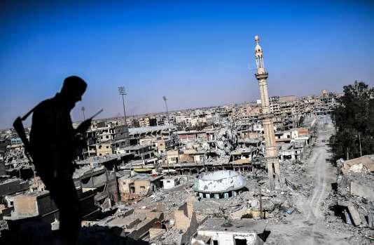 « Je ne peux pas dire avec 100 % de certitude que chaque combattant a été identifié à son départ de Rakka », a confirmé un porte-parole de la coalition.