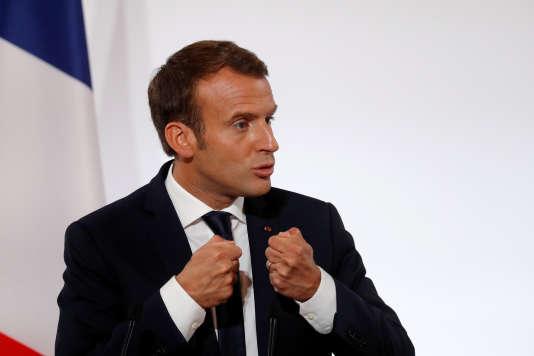 Le président français, Emmanuel Macron, s'exprime devant les représentants des forces de sécurité, à l'Elysée, le 18 octobre 2017.