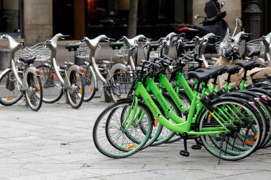 Des vélos de la société«Gobee.bike» à Paris, le 10 octobre.