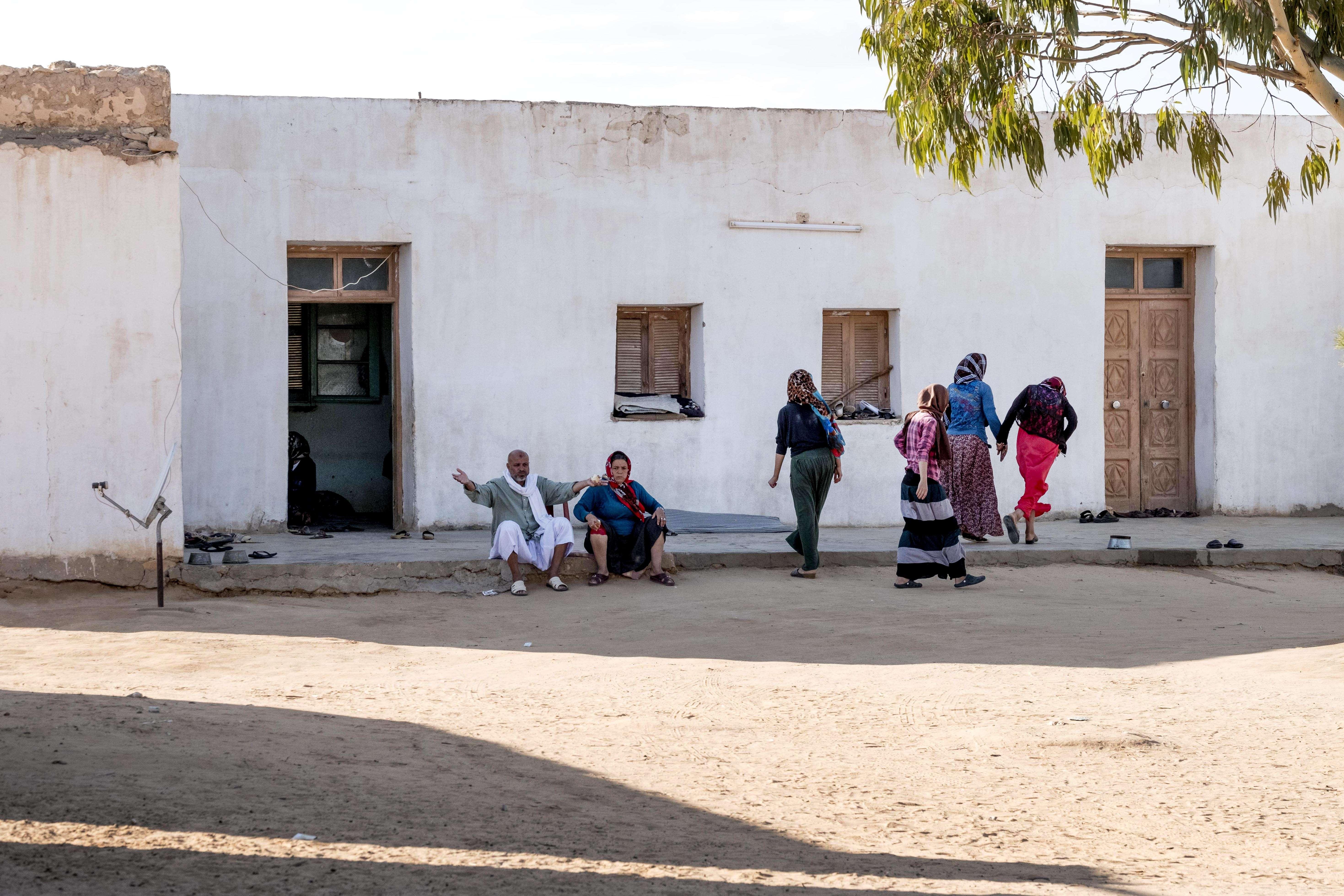 Le hameau de Ltaiïfa se situe à 15 km de Bir Ali, dans l'arrière-pays tunisien, où vit Nasr Nasr.