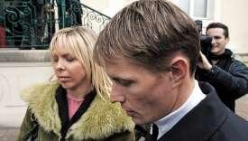 Edita et Raimondas Rumsas en 2005 lors de leur procès pour transports illicites de produits dopants à l'époque du Tour de France 2002.